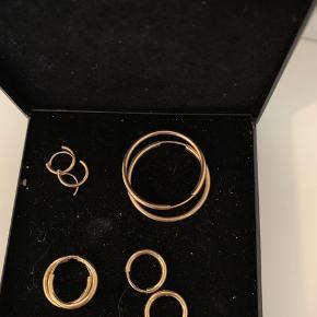 8 karats guld creoler i følgende størrelser: 10 mm 12 mm 15 mm 27 mm   Byd realistisk