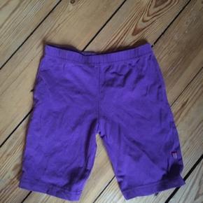 Småfolk shorts 110-116 - fast pris -køb 4 annoncer og den billigste er gratis - kan afhentes på Mimersgade 111 - sender gerne hvis du betaler Porto - mødes ikke andre steder - bytter ikke