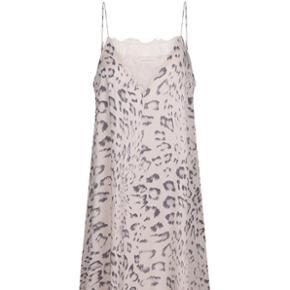 Custommade kjoleBrugt men fin stand