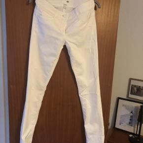 Nye slim fit bukser fra H&M
