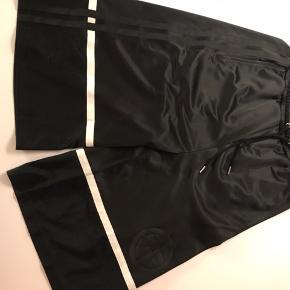 Astrid Andersen shorts. Aldrig brugt og uden brugsspor. Åben for bud.
