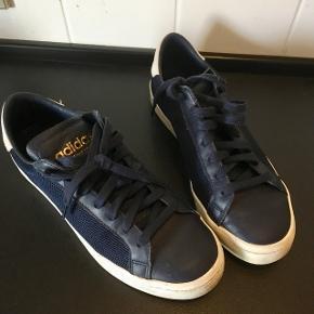 Adidas str. 42,5 Indv. sål 27cm Marineblå  Synes de er i pæn stand  Gls 35kr