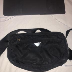 Prada taske i perfekt størrelse