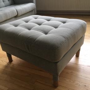 Puff fra Ikea sælges. Fremstår som ny.   Ny pris 1499kr  Sælges for 500kr.   Den skal hentes på Østerbro.