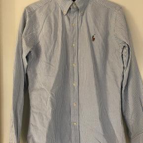 Ralph Lauren skjorte. Model Classic fit Oxford shirt.  Str. XS Stribet hvid/blå Bomuld.