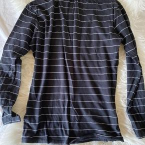 Calvin Klein jeans bluse 🤍✨ Brugt et par gange, men de næsten som god som ny 🤍 Str. M ✨ BYD🤍