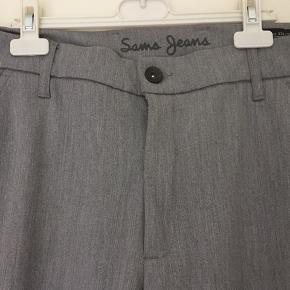 Flotte bukser fra Sams jeans 65% bomuld 32% polyester 3% elastine