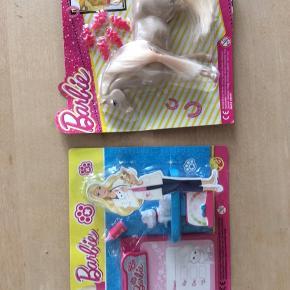 Barbie legetøj  Hest Kat og dyrlægeudstyr  Sælges for 25 kr stk, porto PostNord 20kr. Sælges gerne samlet for 45kr, porto 34kr DAO  Kan evt afhentes i Kbh K ved forudbetaling.