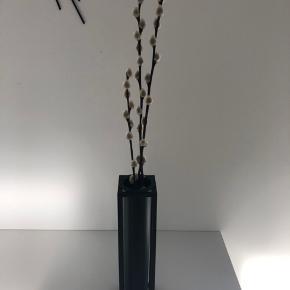 By Lassen vase (den smalle) Brugt få gange