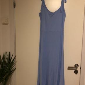 Smuk kjole fra H&M, sælges billigt