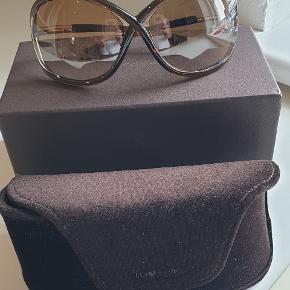 Super flotte og velholdte solbriller.