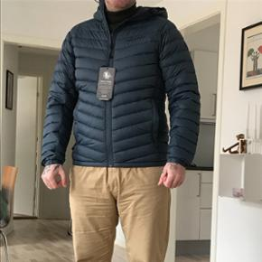 Peak jakke. Str L. Ikke brugt