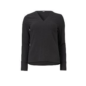Mørkegrå bluse  Nypris 1000 kr