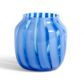 Fin vase, som kan afhentes i Glostrup. Den har blot stået til pynt, uden blomster og vand.