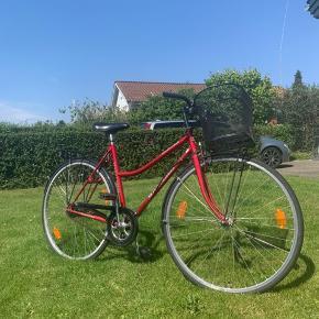 Damecykel m. Cykelkurv og bagagebærer Kildemoes Butterfly Special Slidt, men brugbar Nyligt synet m. Nye håndbremser og kurv