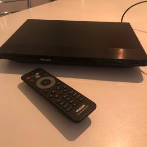 Philips Dvd og Blueray afapiller i en lille kompakt størrelse.Der er USB stik foran og kan tilsluttes netstik (internet) Fungere fint og med fjernbetjening.