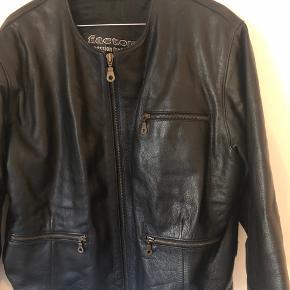 Vintagejakke - ægte læder - god kvalitet - NP er ukendt