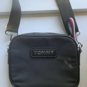 Tommy Hilfiger crossbody-taske