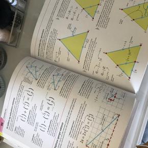 Hjælp dit barn med biologi, kemi og fysik og/eller matematik. Sælges samlet eller hver for sig. De er aldrig rigtig blevet brugt. Mener de har kostet 200kr pr. Stk. Byd på dem