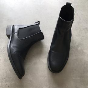 Sorte læderstøvler fra Billi Bi Ny pris omkring 1100 kr