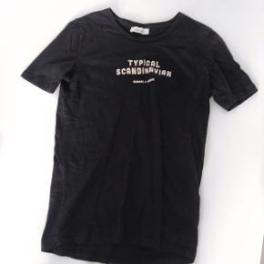 Fed t-shirt fra Samsø Samsø🌸☀️  • Størrelse Small