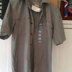 Lækker Carhartt skjorte i str S. (Relaxed fit)  Nypris: 499kr   Din pris 350kr  ✌️FAST PRIS ✌️