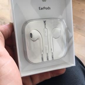 Helt nye ubrugte earpods med aux. Originale fra Apple