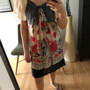 Mina uk dress in size s/m. Easy and flowy. Very good condition.