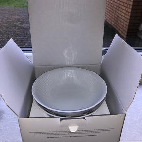 Royal copenhagen white fluted 2 pack bowl 35 cl. Har kassen.