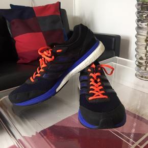 Adidas adizero Boston boost   Blå orange sort med hvid sål