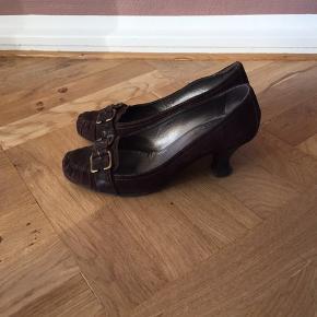Mørkebrun ruskind  6 cm hæl