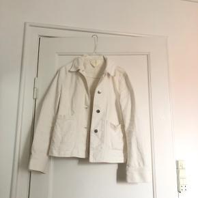 Fin arket denim jakke, næsten som ny i str 34