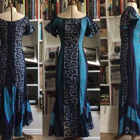11750d034e9 Brand: Vintage - Alfred Shaheen Varetype: Sjælden vintage Alfred Shaheen  tiki maxi kjole fra