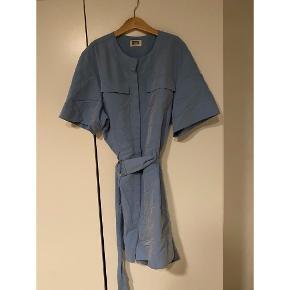 Flot blå buksedragt 💙💙