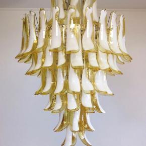 Virkelig fin Murano lysekrone ☀️  78 mundblæste glasblade.    Skriv endelig for spørgsmål og mål.  Sender gerne 📦