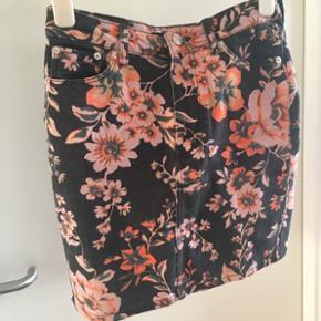 Cool nederdel fra Samsøe. Byd 😊