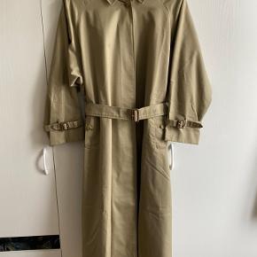 Flot Burberry jakke i fin stand.  Str L/XL   BYD 😊