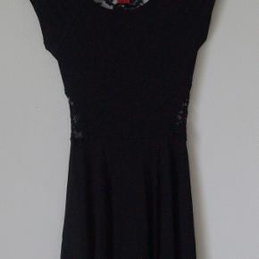 Mono kjole