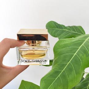 """Dolce & Gabbana """"The One"""" 30 ml. eau de parfume✨💫  Byd gerne kan enten afhentes i Århus C eller sendes på købers regning 📮✉️"""