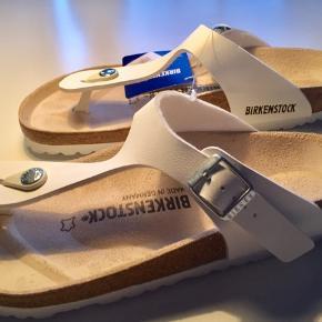 Den kendte og komfortable BIRKENSTOCK sandal m/tåsplit. Ergonomisk pasform og komfortabel indersål 🙏🙏