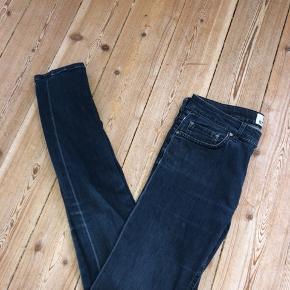 Acne Studios jeans Passer small Skal bare af med dem så byd!