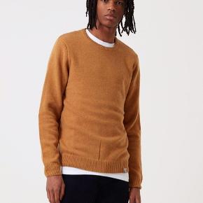 Super lækker Allen knit fra carhartt i en tynd kvalitet   Ingen brugsspor og så god som ny   Spørg endelig hvis du har spørgsmål!   Husk at tjekke mine andre annoncer - jeg har en del carhartt og andre gode mærker til salg  NB: sender ikke billeder af tøjet på 🤗