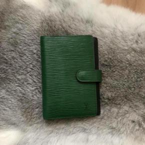 Original Louis Vuitton Epi Agenda PMIn top Zustand. Kann abgeholt oder versendet werden.   Price fix! Preis fix!