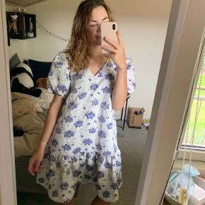 Noella kjole