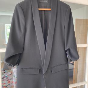 Flot blazer jakke fra Zara Woman.