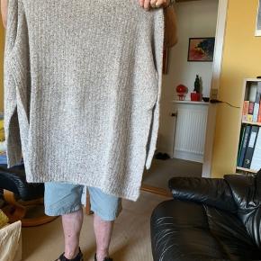 Super blød ny håndstrikket sweater i Tweed Mohair fra Sandnes garn Overvidde 2x75 Længde 84