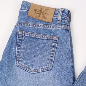Calvin Klein jeans Str 5 - W74 cm L75 cm Stand: som ny 275 kr.  UAS81
