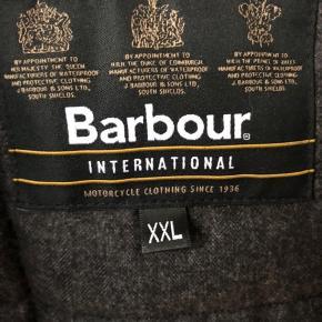 Lækker Barbour Duke jakke kun brugt få gange fremstår ny.