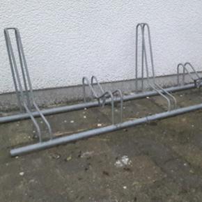 Cykelstativ galvaniseret med plads til 5 cykler