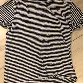 Stribet t-shirt fra Tommy Hilfiger. Str. L